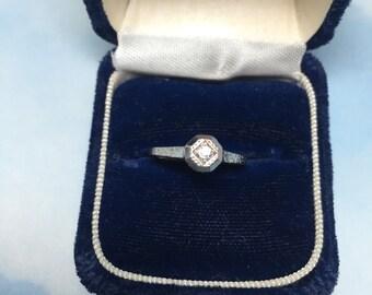 18K White Gold Tall Octagon Ring  Filigree w/Diamond  Item : 17016