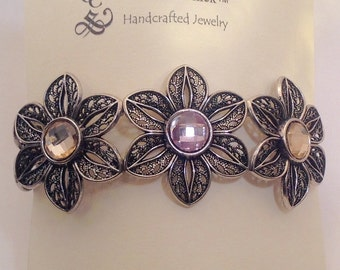 Handmade Metal flower crystal stretch bracelet