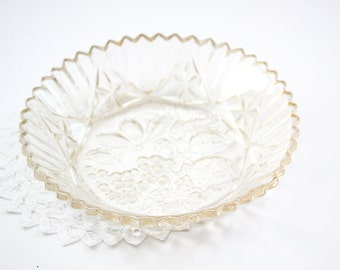 Clear Glass Embossed and Ribbed Shallow Fruit Bowl