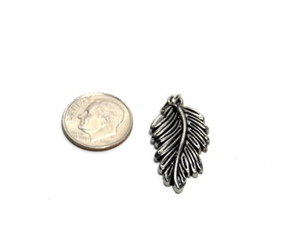 Leaf charms/pendants - 29mm silver tone, two pieces (2)