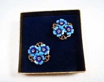 Vintage NIB Avon Love Blossoms Earrings Clip On Backs Blue Flower Earrings