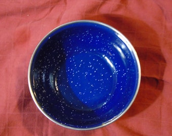 Large blue enamel bowl 1 quart