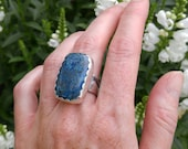 Azurite and Sterling Silver Cocktail Ring. Large Multi-hued Blue and Brown Stone. Layered Wide Ring Band. Scalloped Ring Face. US Size 8