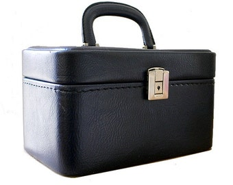 1960 blue train case / 60s vanity case