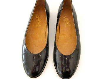 Black Patent Leather Flats - Ballet Flats - Dress Shoes - Size 37 - Eyelet Design - 80s - 90s