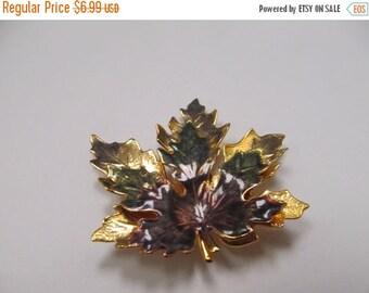 ON SALE Vintage Enameled 3D Leaf Pin Item K # 61