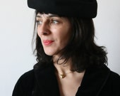 Vintage 1940's Black mourning felt hat with silk veil