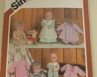 Vintage Simplicity Pattern 5615  Wardrobe for Baby Dolls Size 13-14 Inches  Uncut