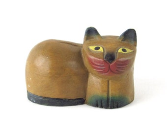 Wooden Cat Figurine - Vintage Hand Crafted Kitty
