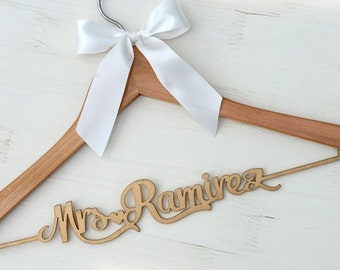 New-tech Wedding Hanger, Personalized Rustic Wedding Dress Hanger,  Custom Wood Bridal Last Name Hanger, Bridal Shower Gift CML004