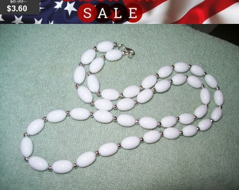 SALE 60% Off vintage white bead necklace, vintage beaded necklace