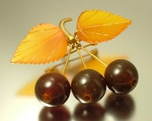 Vintage estate antique Art Deco 1940s Russian gilt metal and amber cherry  berry brooch pin  jewelry jewellery