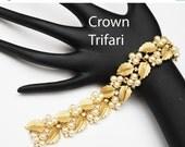 Crown Trifari Link Bracelet of  pearls Rhineststone and gold leaf mid century