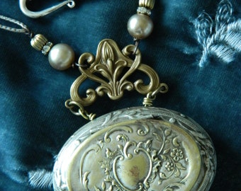 SALE  15% OFF coupon code MARCH 15 Rosary Box Assemblage Necklace - Snuff Box - Powder Box by 58Diamond