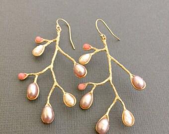 Tree branch earrings, Pearl, Dangling earrings, Branch earrings, Pearl branch earrings, Gold branch earrings