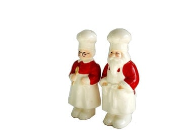 Vintage Salt Pepper Shakers Company Of Friends Mr and Mrs Santa Claus Salt and Pepper Shakers