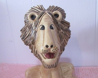 "Vintage ""Lion in pottery"" handmade / handmade lion"