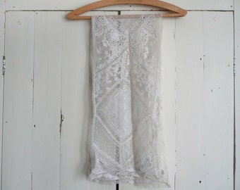 Antique lace scarf - Edwardian lace collar - antique French lappet - antique cream lace collar - antique French lace scarf