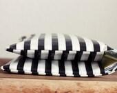 Windeltasche/ Diaper bag aus Wachstuch - gestreift - Wickeltasche -