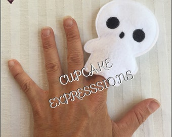 Little Ghost - Finger Puppet, Quiet Time Play Toy - Imaginative Play - Fall, Halloween Scary