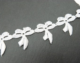 White Bow Lace Guipure Trim 30mm
