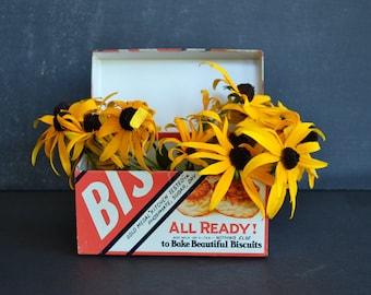 Vintage Bisquick Recipe Box ~ Vintage Tin Recipe Box ~ Vintage Advertising ~ Kitchen Collectible ~ Recipe Box ~ General Mills