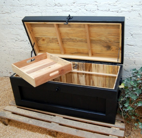 Large hope chest coffee table end of the bed bench entry - Table at the end of the bed ...