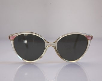 Vintage Polaroid  Crystal Frame, White, Pink, Gray Polarizing Lenses. POLAROID LOOKERS 8632B. Collectible. Made in Italy