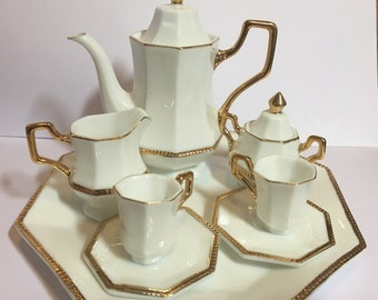 Ganz tea set, child size china tea set in like new condition, FREE SHIPPING