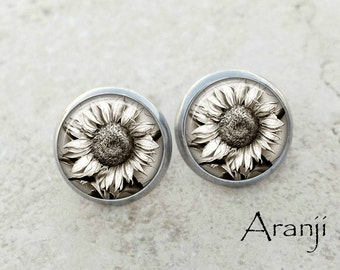 Sunflower art earrings, sunflower earrings, sunflower stud earrings, sunflower post earrings, white flower earrings, flower studs, PL158E