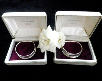 2 silver napkin rings, English hallmarked, serviette ring in box, engine turned, Birmingham 1990, Broadway and Co