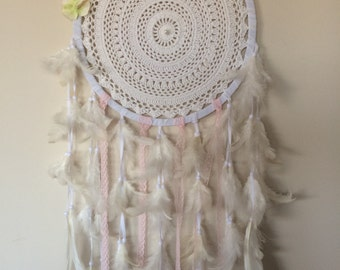 Dreamcatcher. 'Ally' 32 cm diameter . Flowers , feathers, lace and pearls
