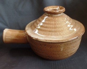 Vintage Brown Stoneware Pottery French Onion Soup Bowl with Handle and Vented Lid
