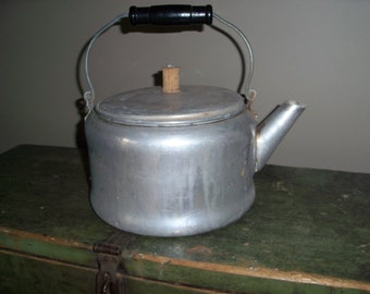 Vintage Farmhouse Aluminum Kettle Century Teapot Display