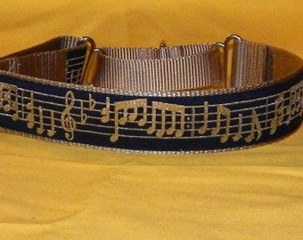 Music notes collar