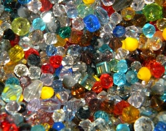 NEW 2-4mm Loose CZECH 100/pcs per lot crystal glass BEADS Random Mixed different sizes, shapes, & colors