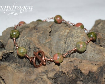 Unakite bracelet wrapped with copper with a toggle clasp