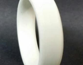 White Unidirectional Ring