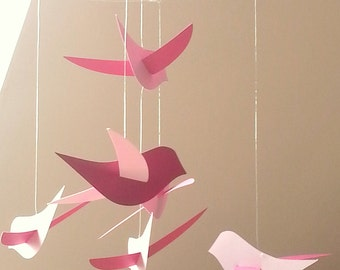 The mobile paper 'The birds' pink and raspberry