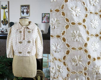 Vintage 1960s Peaches & Cream Lightweight Floral Lace Jacket with Cropped Sleeve- S/M