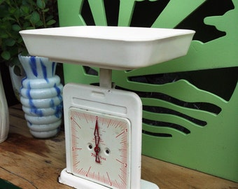 Vintage Retro Kitchen Scales