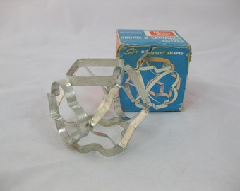 Ekco Cookie and Sandwich Cutter, Metal Cookie Cutter, Mary Ann Sandwich Cutter, Card Suit Cookie Cutters