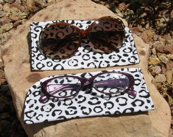 Black and White Leopard Eyeglass/Sunglasses Case