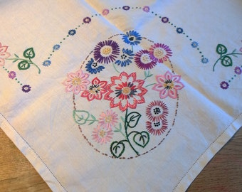 Pretty vintage embroidered flower tablecloth hand made