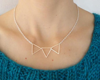 Silvery necklace with triangle - Thin jewelry
