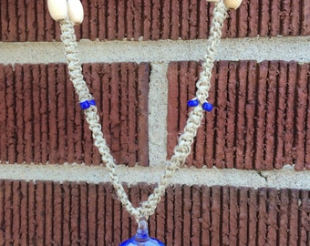 Blue flower hemp necklace