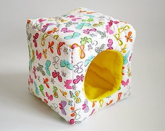 cosy cuddle cube for guinea pigs (butterflies/yellow)