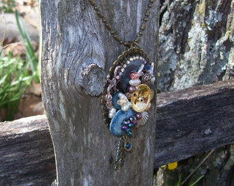 Beach Sea Theme Pendant Assemblage Necklace Blue