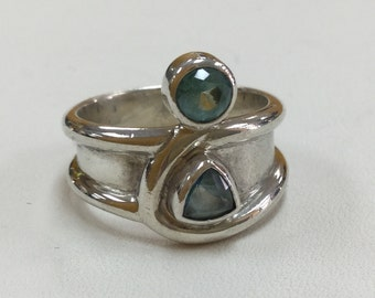 Vintage Sterling Silver Ring With Green Stones!!! Size 8