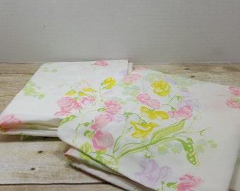 Set of 2 Vintage Pillowcases, Floral, 1970s-1980s, vintage sheets, bedding